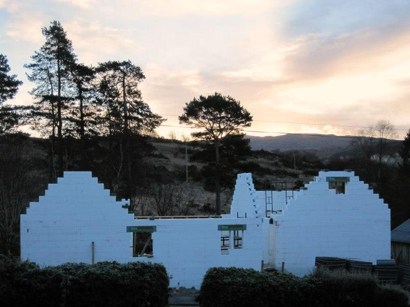 holiday home in argyll construction night