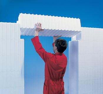 installing-a-Wallform-lintel-wallblock
