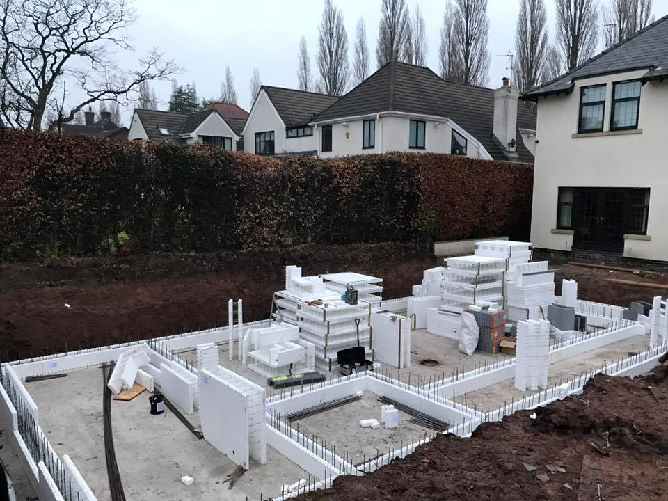 Pool House blocks delivery