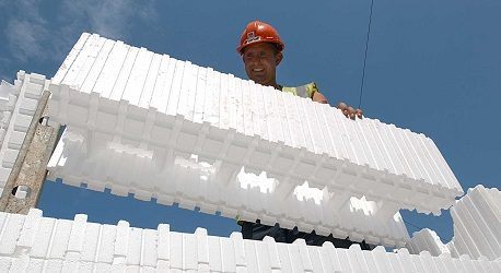 Builder using Insulated Concrete Formwork BecoWallform